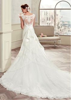 Amazing Tulle & Satin Bateau Neckline Mermaid Wedding Dresses With Lace Appliques