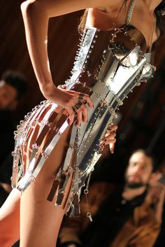 chromat:  perfectlyengineered:  Chromat F/W 2014 at NYFW  The Chromat Engineered Chrome Dress- our magnum opus. Metal Fashion, Love Fashion, Fashion Art, High Fashion, Phresh Out The Runway, Club Outfits, Costume Design, Metallica, Magnum Opus
