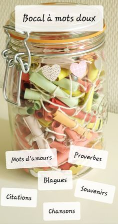 Bocal à mots doux Personalised Gifts Diy, Diy Gifts, Diy Presents, Dates In A Box, 365 Jar, Diy Cadeau Noel, Cadeau Couple, Gifts Love, Diy Crafts To Do