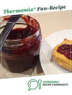 Recipe 1 Punnet Speedy Strawberry Jam by Leanne Sloss, learn to make this recipe easily in your kitchen machine and discover other Thermomix recipes in Sauces, dips & spreads. Gnocchi Recipes, Soup Recipes, Cooking Chef, Cooking Recipes, Mulberry Jam, Mulberry Recipes, Spagetti Recipe, Thermomix