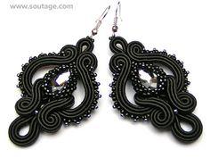 sutasz-anka: Dark Side of the Moon big earrings