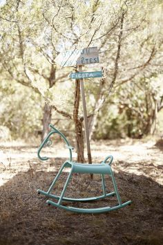 Rocking Chair, Outdoor Furniture, Outdoor Decor, Industrial Design, Serenity, Kids Toys, Home Accessories, Projects To Try, Saint Tropez
