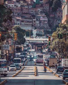 Te presentamos la selección: <<FOTO DEL DÍA>> en Caracas Entre Calles. ============================  F E L I C I D A D E S  >> @difredcolina << Visita su galeria ============================ SELECCIÓN @ginamoca TAG #CCS_EntreCalles ================ Team: @ginamoca @luisrhostos @mahenriquezm @teresitacc @floriannabd ================ #Caracas #Venezuela #Increibleccs #Instavenezuela #Gf_Venezuela #GaleriaVzla #Ig_GranCaracas #Ig_Venezuela #IgersMiranda #Great_Captures_Vzla #InstaloVenezuela…