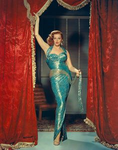 The Revolt of Mamie Stover is a romantic drama film directed by Raoul Walsh.The film stars Jane Russell and Richard Egan Glamour Vintage, Glamour Hollywoodien, Robes Glamour, Vintage Beauty, Vintage Fashion, Hollywood Vintage, Old Hollywood Glamour, Golden Age Of Hollywood, Hollywood Stars