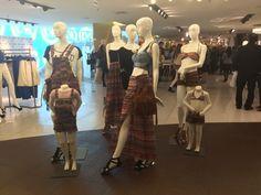 Cobertura da pré-venda da coleção da marca Billabong, de beach wear, para a fast fashion C&A com biquinis, maiôs e roupas.