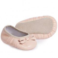 726222175c2e5 Fendi Baby Girls Pink Leather Shoes at Childrensalon.com