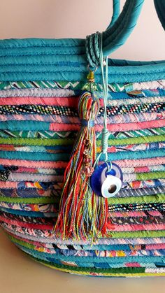 Discover thousands of images about BY ORDER ONLY: Bohochic Basket Bag Multicolour Basketbag Rope Basket, Basket Bag, Basket Weaving, Fabric Bowls, Rope Crafts, Fabric Scraps, Sewing Crafts, Creations, Boho Chic