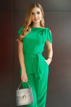 Swans Style is the top online fashion store for women. Shop sexy club dresses, jeans, shoes, bodysuits, skirts and more. Trendy Fall Outfits, Chic Outfits, Dress Outfits, Casual Dresses, Fashion Dresses, Frack, Jumpsuit Pattern, Jumpsuit Outfit, Pants For Women