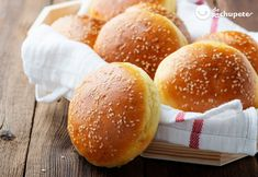 If you are stuck at home and didn't grab a lot of bread from the store, you can make easy bread recipes at home. This list has homemade bread recipes. Homemade Burger Buns, Homemade Hamburgers, Hamburger Patties, Hamburger Buns, Hamburger Bun Recipe, Baking Bread At Home, Bread Bun, Easy Bread Recipes, Recipe Details