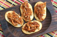 Enjoy the flavors of summer with these easy appetizers. Just warm purchased barbecued pork, chicken or beef and spoon it on top of crackers. Finger Food Appetizers, Yummy Appetizers, Appetizer Recipes, Snack Recipes, Cooking Recipes, Finger Foods, Kraft Foods, Kraft Recipes, Shredded Bbq Chicken