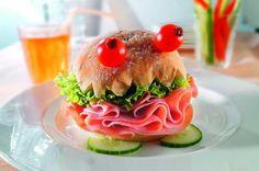 Resultados de la Búsqueda de imágenes de Google de http://goodtoknow.media.ipcdigital.co.uk/111/000000e2a/ec56_orh100000w614/turkey-ham-munchkin.jpg