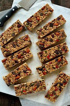 No-bake chewy granola bars filled with superfood ingredients such as chia, pumpkin and linseeds, almonds, oats, cranberries, goji berries and dark chocolate