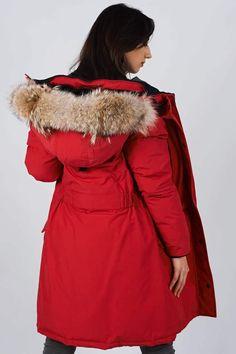 Women's winter down coat, 725 fill power. Arctic Bay - Made in Canada. Do It Yourself Wedding, Wedding Hangers, Winter Jackets Women, Down Coat, Fur Trim, Arctic, Rib Knit, Winter Fashion