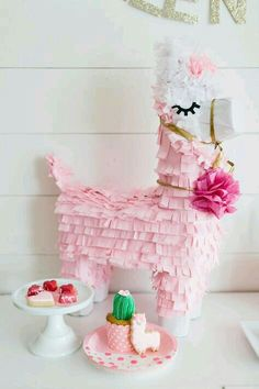 Check out the cute pin llama pinata at this Valentine's Day Party ! See more par … – Valentine's Day Decorations Valentinstag Party, Valentines Day Party, Be My Valentine, First Birthday Parties, First Birthdays, Birthday Ideas, Girl Birthday Party Themes, Diy Party Dekoration, Llama Birthday