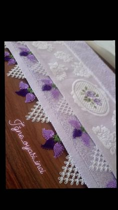 Bargello Diy Crafts Lace Embroidery Stitches Table Toppers Tejidos Make Yo Knitting Yarn Diy, Baby Knitting Patterns, Crochet Patterns, Lace Embroidery, Embroidery Stitches, Palacio Bargello, Amish Quilts For Sale, Maquillaje Halloween, Lace Making