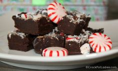 Crock-Pot Chocolate Fudge - with only 2 ingredients this slow cooker fudge recipe could not get any easier. {via CrockPotLadies.com) #Fudge #Christmas