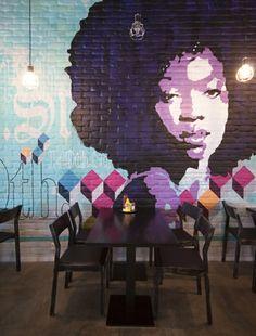 Natursteinwand streichen Ideen Muster Malerei Esszimmer
