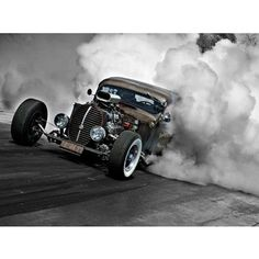Ah yes, the single life. Building bad ass hot rod and burning the tires off. Something you valentiner wine and diners most likely aren't doing today! Single folk, we salute you! #kingsofkustom #cardaily #hotrod #musclecars #classic #classiccars #kustom #custom #cruiser #carshow #carporn #laidout #bagged #slammed #oldschool #instagood #instacool #photooftheday #all_shots #followme #ratrod #ford #modelA #black #burnout #art ❤️Like it 💬Comment 👥Tag your friends!