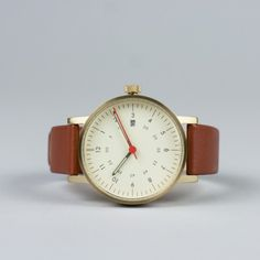 Analogue Watch Gold-Brown / by VOID