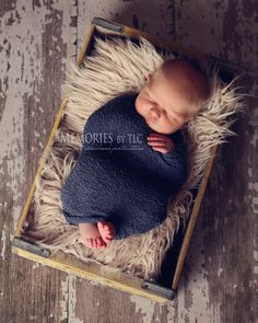 Photography 7 Essential Newborn Photography Props to Start Your Collection Newborn Posing Guide newborn photography newborn Foto Newborn, Newborn Posing, Newborn Shoot, Newborn Photography Props, Children Photography, Outdoor Photography, Newborn Pictures, Baby Pictures, Newborn Pics