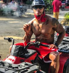 Giants LB Jonathan Casillas Takes Picture Saying He Isn't Smoking a Blunt; NFL Hits Him With Drug Test (PIC)