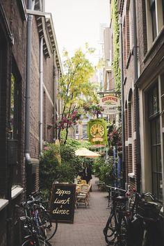 Amsterdam Travel Tips. www.marybeniga.com