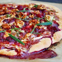 Himbeer Brie Pizza mit kandierten Walnüssen