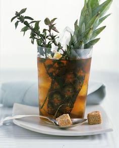 Eistee mit Ananas | http://eatsmarter.de/rezepte/eistee-11