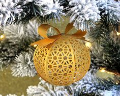 Hi there! I'm popping in with a new Freebie for you today, I've designed a 3D Filigree Ornament/Bauble for you to decorate your Christmas Tree. I used 120gsm pearl paper for my ornament…