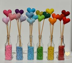 It's a lot of love … - Valentinstag Geschenke Felt Crafts, Diy And Crafts, Crafts For Kids, Bottle Art, Bottle Crafts, Valentine Crafts, Felt Flowers, Holidays And Events, Party Time