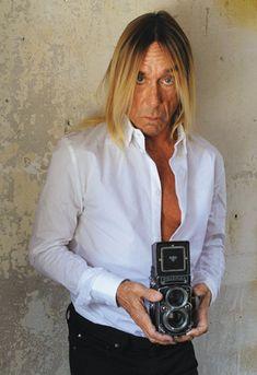 """Portrait et interview de la rock star Iggy Pop, qui sort son nouvel album, """"Après"""""""