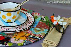 mesa posta com detalhes patchwork