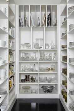 kitchen pantry storage In any organizing project, you are going to need to adjust and adapt your strategies over time. Today I'm sharing my revised top ten pantry organization id Kitchen Pantry Design, Kitchen Organization, New Kitchen, Kitchen Decor, Organization Ideas, Organizing, Country Kitchen, Vintage Kitchen, Kitchen Ideas
