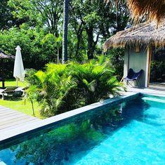 Die Gilis sind eine kleine Inselgruppe an der Küste von Lombok in Indonesien. Sie bestehen aus 3 unterschiedlichen kleinen Inseln für verschiedene Ansprüche. Gili Trawangan ist die Partyinsel, Gili Meno ist sehr ruhig und Gili Air wird oft als Flitterwochen-Insel bezeichnet.  Wir waren im Anschluss an unseren Lombok-Aufenthalt in der wunderbaren VILLA SORGAS auf Gili Air. Hier leben ca.   #GiliInseln #Indonesien