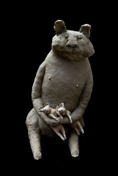 Clay creatures by Sophie Favre Pottery Animals, Ceramic Animals, Clay Animals, Sculptures Céramiques, Small Sculptures, Sculpture Clay, Ceramic Figures, Clay Figures, Ceramic Art