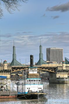 Tug Boat On The Willamette River - Portland, Oregon
