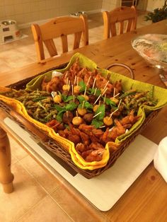 Fried shrimp string bean Chicken meatball pineapple mint with toothpick (finger food )
