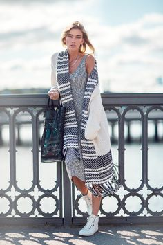 Layer up the knitwear this fall with a big cardi over a knitted… Visit GimmeYourStyle.com for more:)