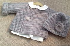 Bebeknits Simple French Style Baby Cardigan Knitting by bebeknits English translation - thank you! Baby Cardigan Knitting Pattern, Knitted Baby Cardigan, Knitted Baby Clothes, Baby Knitting Patterns, Baby Patterns, Knitting For Kids, Hand Knitting, Style Baby, Cardigan Bebe