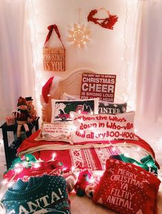 Christmas aesthetic – 30 pictures Merry Christmas from our family to yours. /notjessfashion/ Trendy and Cozy Holiday Decorating Ideas Dreaming of Christmas Holiday Baki… Christmas Feeling, Merry Little Christmas, Cozy Christmas, All Things Christmas, Christmas Holidays, Christmas Gifts, Christmas Decorations For Room, Winter Things, Christmas Quotes