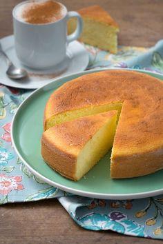 Torta al latte caldo: super soffice e profumata. Perfetta per una colazione indimenticabile! [Hot milk sponge cake]