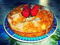 TORTA DI MELE DELLA NONNA. Troverai la ricetta su: https://dallacucinaltuocuore.wordpress.com/2015/06/09/torta-di-mele-della-nonna/