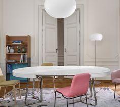 AVA, Mesas de comedor Designer : Thibault Desombre | Ligne Roset