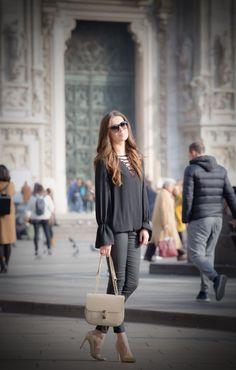 Chic, Bags, Shoes, Style, Fashion, Shabby Chic, Handbags, Swag, Moda