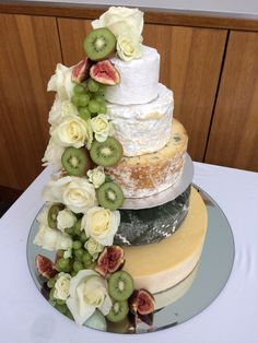 wedding cake made out of cheese! A wedding cake made out of cheese! Wedding Cakes With Cupcakes, Unique Wedding Cakes, Beautiful Wedding Cakes, Cheesecake Wedding Cake, Vegan Wedding Cake, Wedding Menu, Wedding Ideas, Cheese Tray Display, Cheese Platters