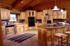 Discover brand new kitchen decor tips and hints. Wooden Kitchen Floor, Kitchen Modular, Kitchen Flooring, Pine Kitchen Cabinets, Custom Kitchen Cabinets, Custom Kitchens, New Kitchen, Kitchen Decor, Kitchen Ideas