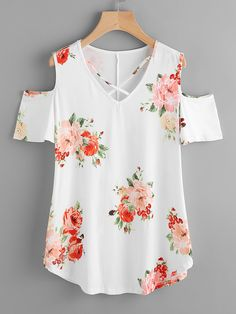 Shop Crisscross V-neckline Open Shoulder Random Florals Tee online. SheIn offers Crisscross V-neckline Open Shoulder Random Florals Tee & more to fit your fashionable needs.To find out about the [good_name] at SHEIN, part of our latest T-Shirts ready Mode Kimono, Casual Dresses, Fashion Dresses, Sewing Blouses, Modelos Fashion, Designs For Dresses, Dress Sewing Patterns, Cute Tops, Diy Clothes