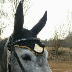 Black gold earbonnet, limited edition ear bonnet, flybonnet black gold, unique flyveil, horse earbonnet, pony fly bonnet, rhinestones decoration, strass bonnet