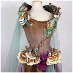 from fairy magazine/enchanted living- mushroom corset! Cosplay Outfits, Cosplay Costumes, Olaf Costume, Mode Outfits, Fashion Outfits, Fantasy Dress, Fantasy Hair, Fantasy Makeup, Fantasy Costumes