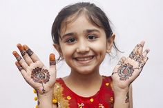 Simple Mehndi design for kids is a collection of Mehndi henna for the children and for the children. Kids love Mendy